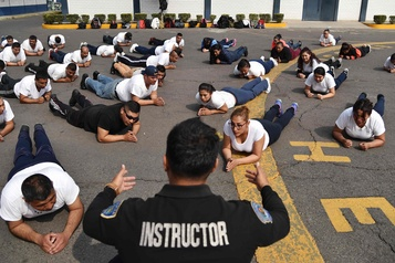 Mexico met à la diète ses policiers un peu trop en chair