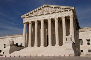 La Cour suprême américaine valide la loi phare d'Obama sur la santé)