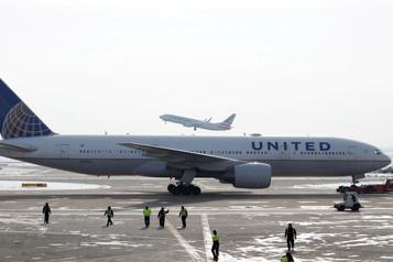 Des Boeing777 immobilisés après un incident de moteur)