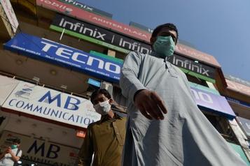Fin du déconfinement au Pakistan en pleine poussée de COVID-19)