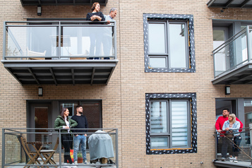 Cours, balcons et terrasses: dehors àlamaison)