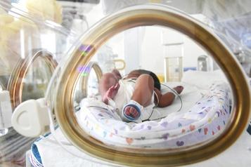 La survie des bébés prématurés bondit de 25% au Canada