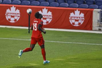 Qualifications de la Coupe du monde de 2022 Le Canada a le dessus sur Haïti1-0)