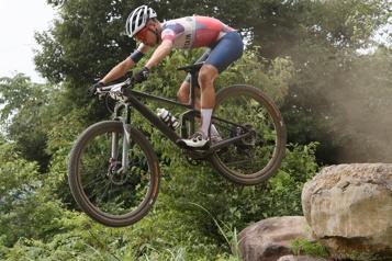 Jeux de Tokyo Tom Pidcock domine la course de vélo de montagne)