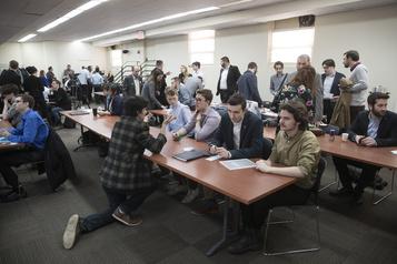 Les jeunes péquistes veulent étendre la loi101 aux cégeps