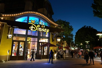 COVID-19 Règles assouplies en Californie pour la réouverture de Disneyland et des stades)