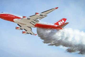 Le plus gros avion anti-feux de forêt au monde est à vendre)