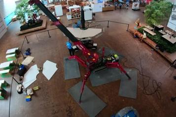 173 600 briques utilisées Lego construit le plus gros ballon au monde)