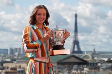 Classement de la WTA Iga Swiatek bondit de 37?places pour entrer dans le Top?20, Bouchard grimpe de 28?places)