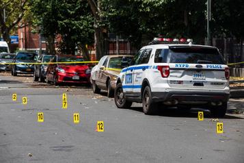 Une épidémie de fusillades aux États-Unis)