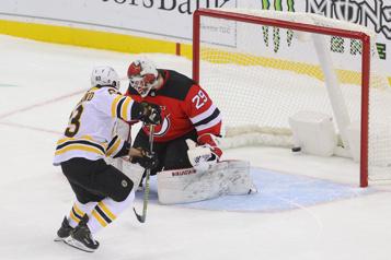 Bruins de Boston Brad Marchand tranche en tirs de barrage)