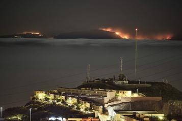 Grande Canarie: la progression de l'incendie ralentit