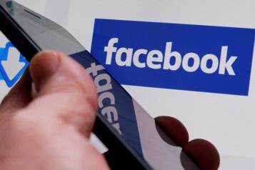 Facebook toujours très populaire aux États-Unis malgré les controverses)