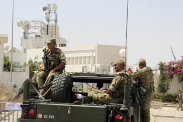 Crise politique en Tunisie Le ministre de la Défense limogé)