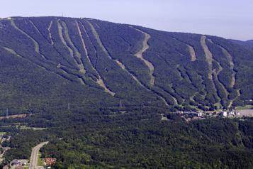 Québec veut reprendre une partie du mont Sainte-Anne)