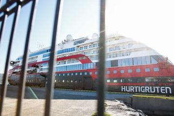 Épidémie de COVID sur un bateau de croisière en Norvège: un dirigeant mis à pied)