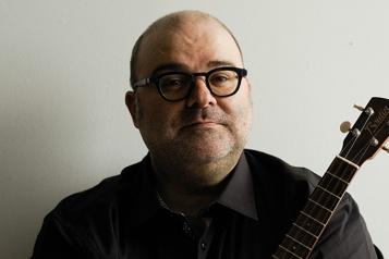 Laurent Paquin, auteur-compositeur-interprète)