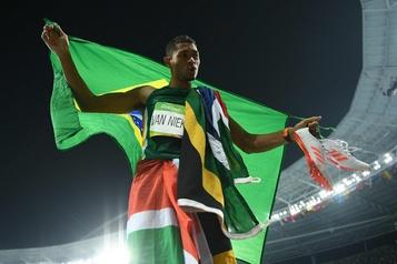 400m: le médaillé d'or Wayde Van Niekerk remis «à 100%» de sa blessure)
