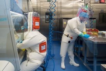 Le laboratoire de Wuhan se défend d'avoir lâché le virus)