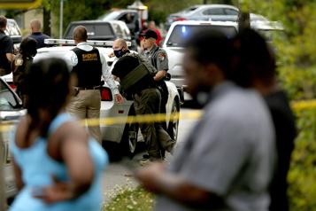 Un autre Afro-Américain tué par la police)