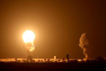 Frappes israéliennes sur Gaza, nouveaux tirs de roquettes vers Israël)