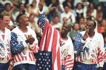 Des chaussures de Jordan, Pippen et Johnson à l'encan)