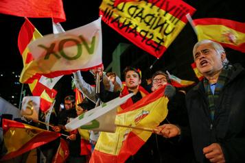 Législatives en Espagne: les socialistes affaiblis, bond de l'extrême droite