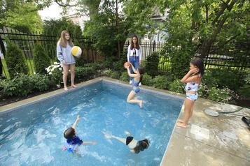 Cinq options pour garder les enfants cet été )