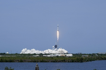 SpaceX a lancé deux astronautes dans l'espace, une première historique)