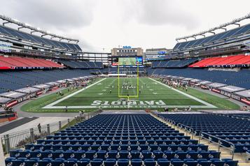 Nouveau cas de COVID-19 Le match Broncos-Patriots reporté indéfiniment)
