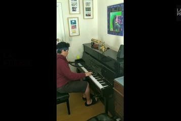 Incroyable mais vrai: des jongles au piano)