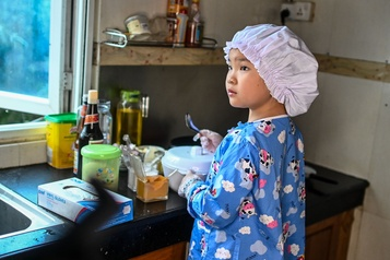 Une fillette de 8ans fait sensation avec ses recettes en ligne)