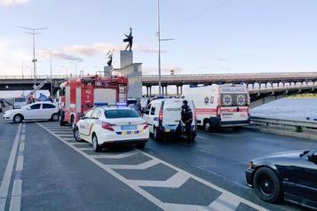 Ukraine: arrestation d'un homme armé qui menaçait de faire exploser un pont à Kiev