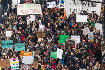 Manifestation pour le climat: la planète se réchauffe, Poly reste de glace
