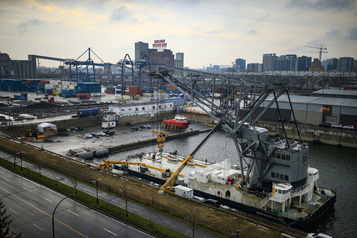 L'enjeu discret de la robotisation du port de Montréal)