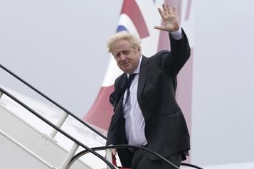 Crise des sous-marins Washington et Londres cajolent Paris, prochain échange Biden-Macron)