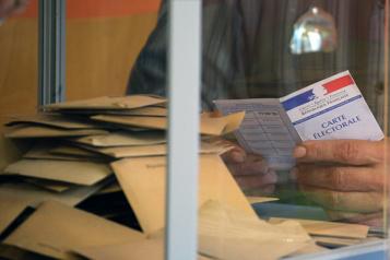Taux d'abstention record pour les élections régionales françaises)
