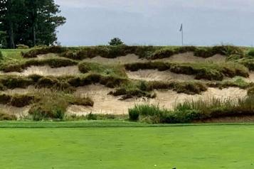 Un club de golf réservé aux hommes ouvrira ses portes aux femmes)