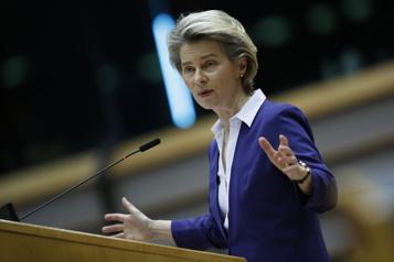 COVID-19 L'UE appelle à limiter les voyages face à une situation «très grave»)