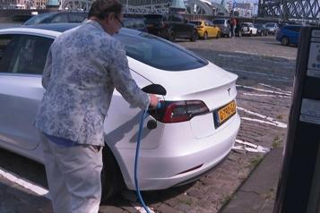 Les Pays-Bas, champions des bornes pour voitures électriques)