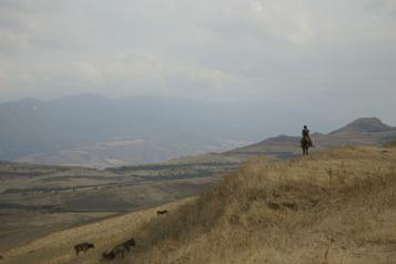Sous un même soleil Dialogue de sourds au Karabakh ★★★½)
