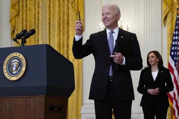 Biden annonce l'envoi de vaccins au reste du monde)