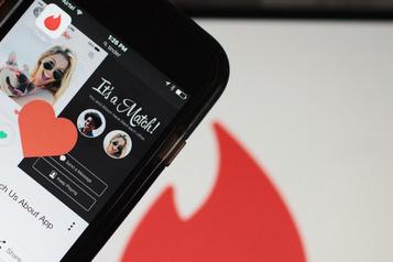 Tinder lance un bouton d'urgence aux États-Unis