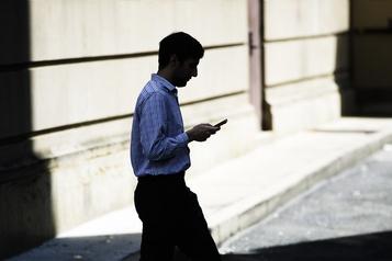 Les blessures associées aux téléphones cellulaires en hausse