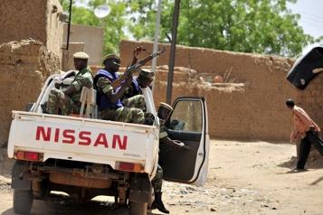 160morts dans l'attaque la plus meurtrière depuis 2015 au Burkina Faso)