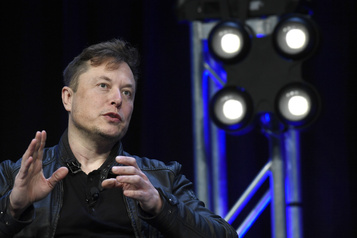 Elon Musk menace de quitter la Californie)