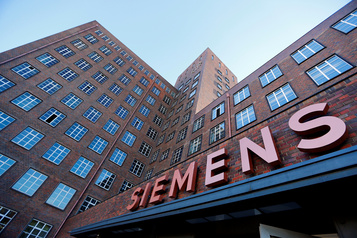 Siemens reste dans le vert au troisième trimestre)