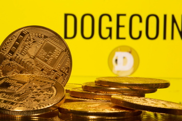 SpaceX va lancer une mission lunaire payée en Dogecoin)