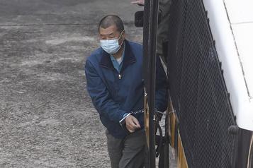 Hong Kong Le magnat pro-démocratie Jimmy Lai placé en détention provisoire)