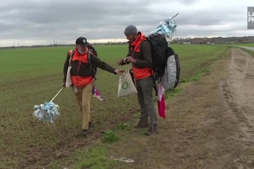 Pollution plastique 6300 masques ramassés en 880 kilomètres )